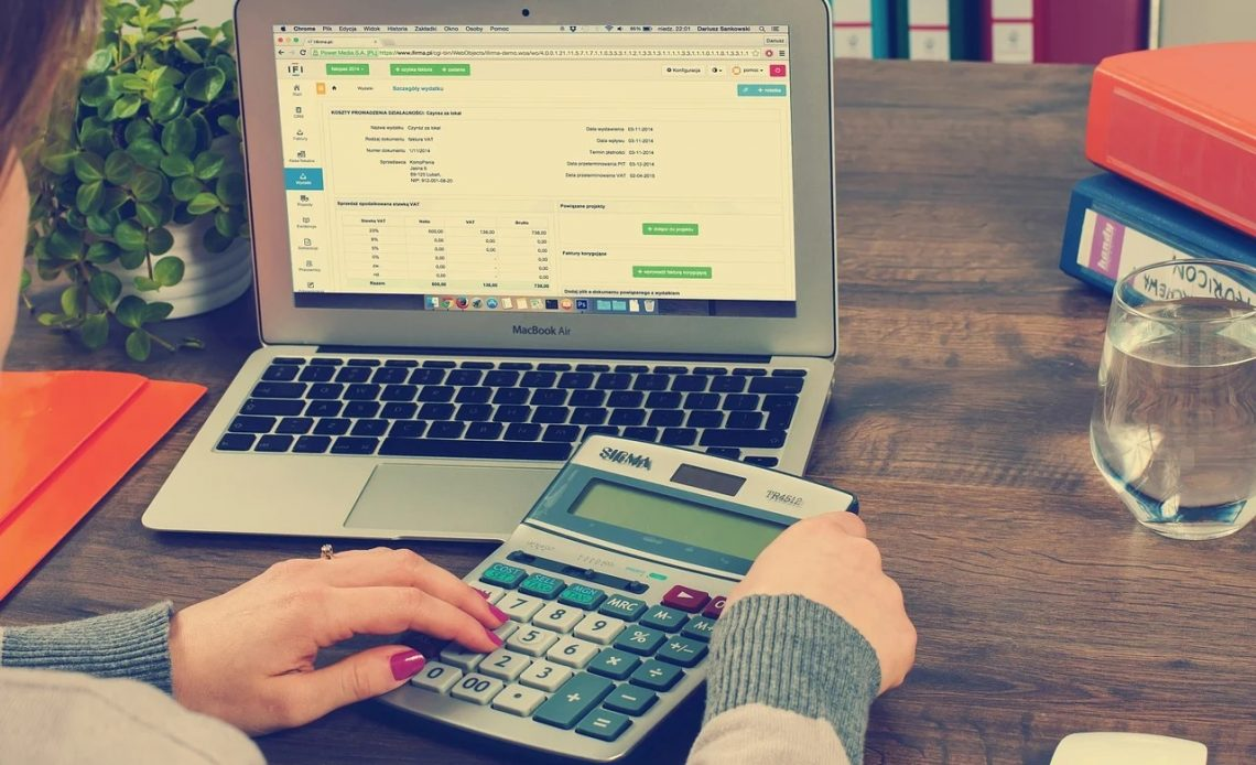 Become an Expert in Accounting with an Online Course